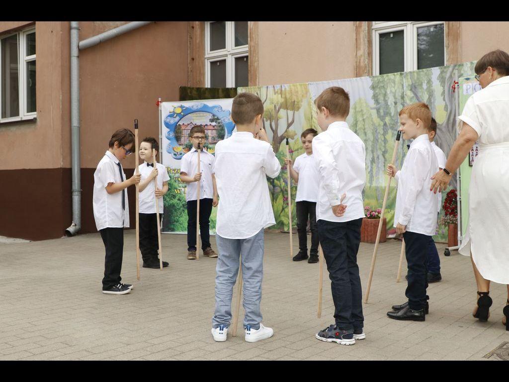 Taniec z kijami grupa Bratki