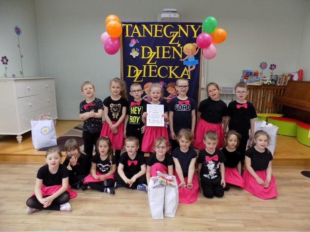 Przegląd tańca grupa Tulipanki