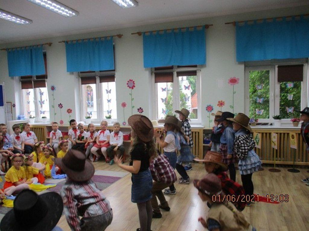 Przegląd tańca przedszkole Słoneczne